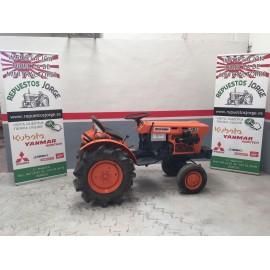 Mini tractor Kubota B7001 4x2.