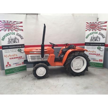 Mini tractor Kubota B1600 DT 4x4.